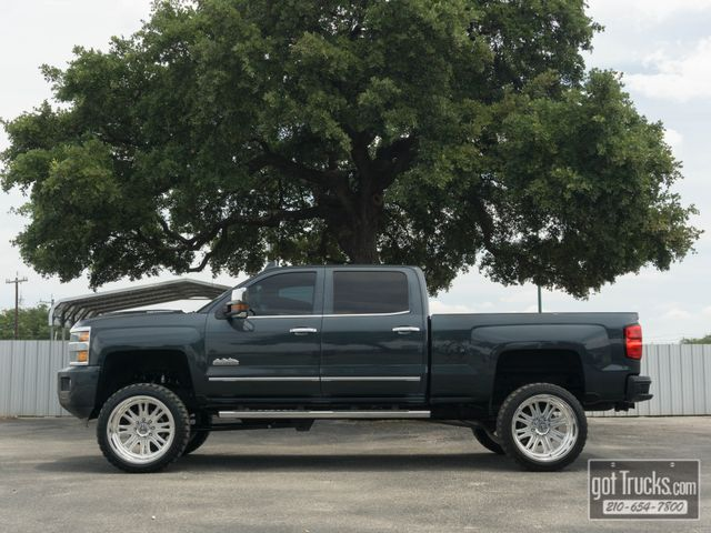 2017 Chevrolet Silverado 2500HD Crew Cab High Country 6.6L Duramax Diesel 4X4