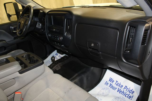 2017 Chevrolet Silverado 2500HD Utility Tommy Gate Long Bed 4x4 Work Truck in Roscoe, IL 61073