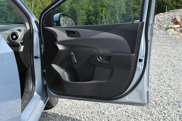2017 Chevrolet Sonic LS Naugatuck, Connecticut 9