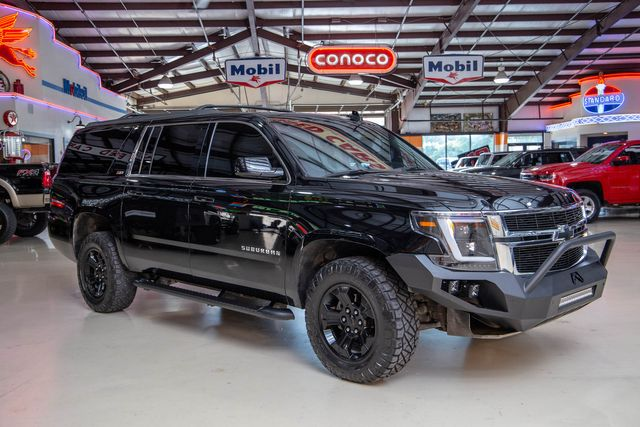 2017 Chevrolet Suburban 4x4 z71 in Addison, Texas 75001