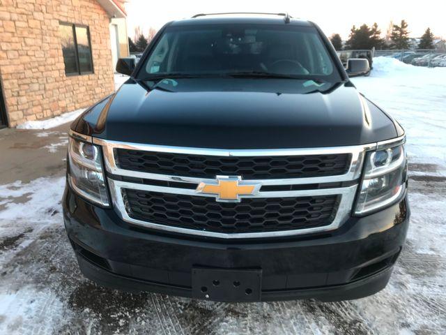 2017 Chevrolet Suburban LT Farmington, MN 3