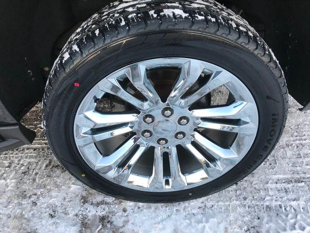2017 Chevrolet Suburban LT Farmington, MN 12