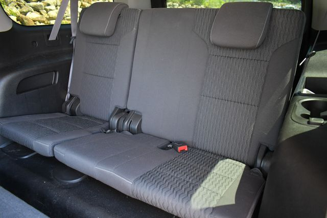 2017 Chevrolet Suburban 4WD Naugatuck, Connecticut 18
