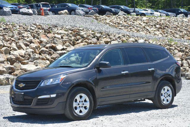 2017 Chevrolet Traverse LS Naugatuck, Connecticut