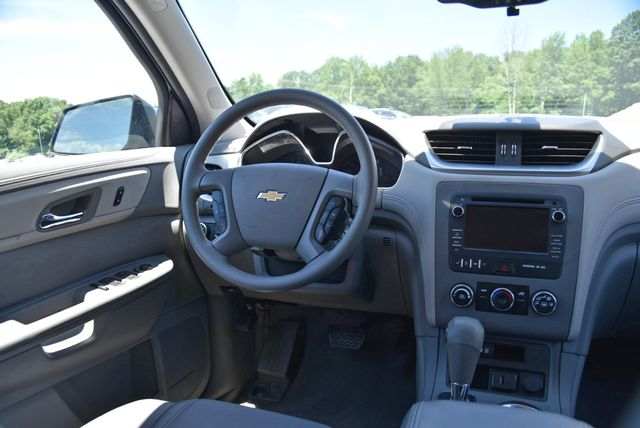 2017 Chevrolet Traverse LS Naugatuck, Connecticut 17
