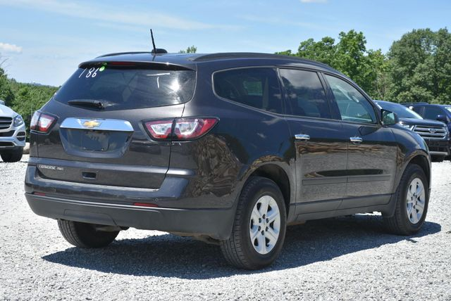 2017 Chevrolet Traverse LS Naugatuck, Connecticut 4