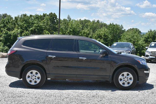 2017 Chevrolet Traverse LS Naugatuck, Connecticut 5