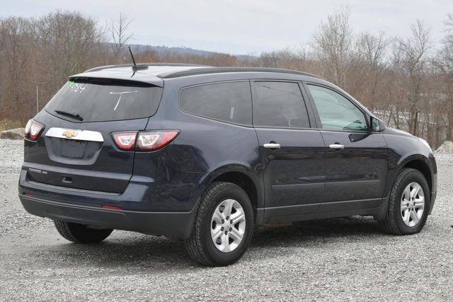 2017 Chevrolet Traverse LS Naugatuck, Connecticut 4