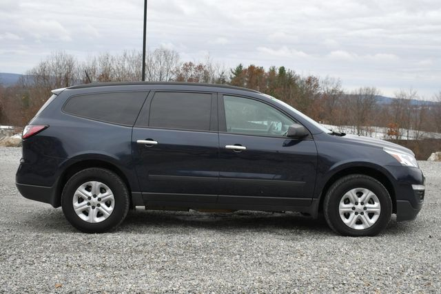 2017 Chevrolet Traverse LS Naugatuck, Connecticut 5