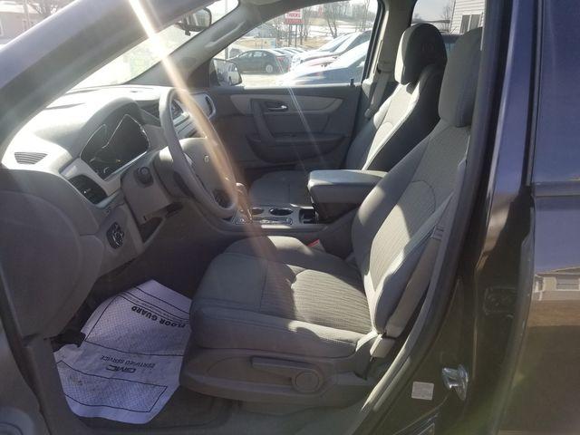 2017 Chevrolet Traverse LS Newport, VT 3
