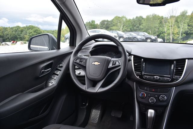 2017 Chevrolet Trax LT Naugatuck, Connecticut 9