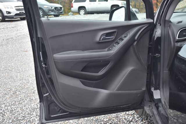 2017 Chevrolet Trax LT Naugatuck, Connecticut 17