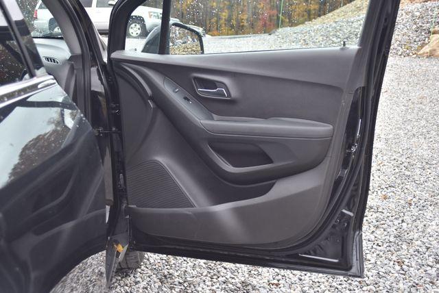 2017 Chevrolet Trax LT Naugatuck, Connecticut 9
