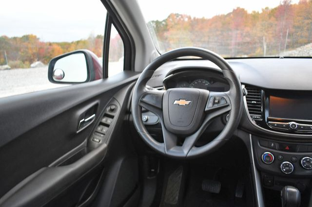 2017 Chevrolet Trax LS Naugatuck, Connecticut 13