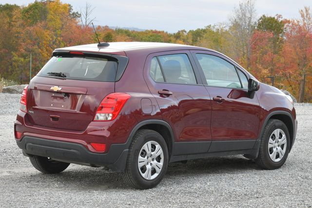 2017 Chevrolet Trax LS Naugatuck, Connecticut 4