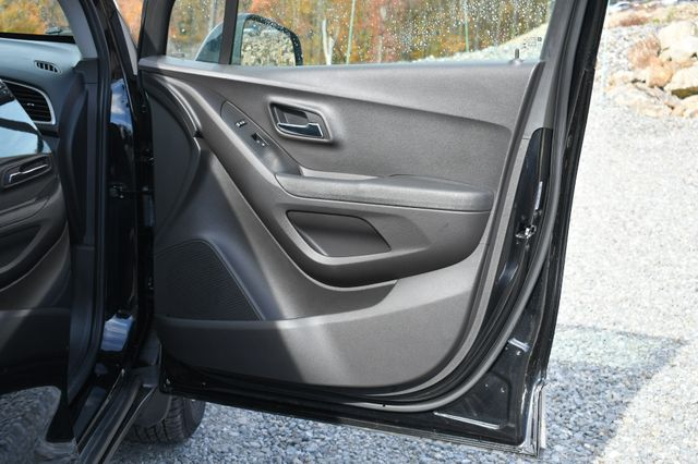 2017 Chevrolet Trax LS Naugatuck, Connecticut 10