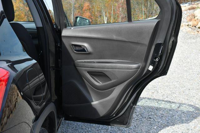 2017 Chevrolet Trax LS Naugatuck, Connecticut 11