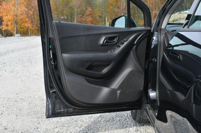 2017 Chevrolet Trax LS Naugatuck, Connecticut 18