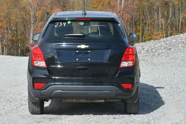 2017 Chevrolet Trax LS Naugatuck, Connecticut 3