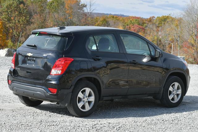 2017 Chevrolet Trax LS Naugatuck, Connecticut 4