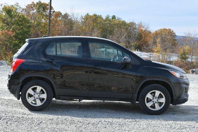 2017 Chevrolet Trax LS Naugatuck, Connecticut 5