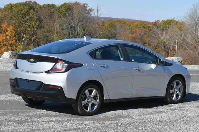 2017 Chevrolet Volt LT Naugatuck, Connecticut 4