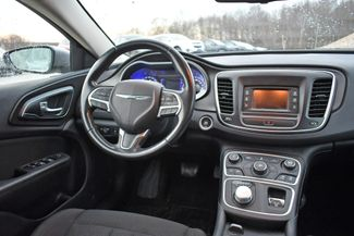 2017 Chrysler 200 Touring Naugatuck, Connecticut 9