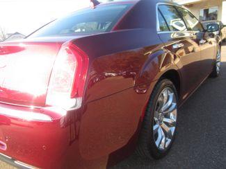 2017 Chrysler 300 300C Batesville, Mississippi 13
