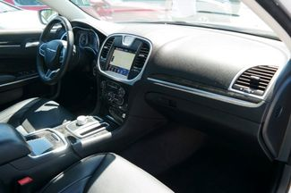 2017 Chrysler 300 300C Hialeah, Florida 50