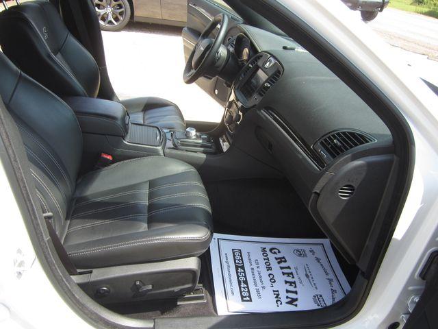 2017 Chrysler 300 300S Houston, Mississippi 9