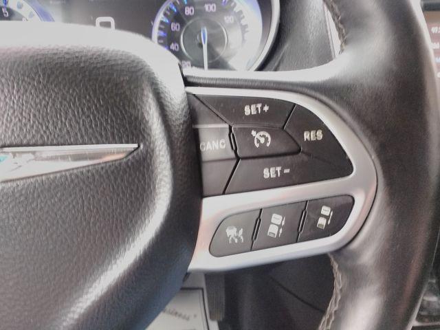 2017 Chrysler 300 300C Houston, Mississippi 18