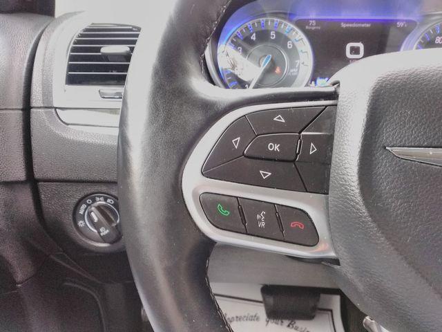 2017 Chrysler 300 300C Houston, Mississippi 17