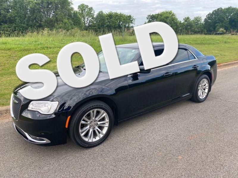 2017 Chrysler 300 Limited | Huntsville, Alabama | Landers Mclarty DCJ & Subaru in Huntsville Alabama