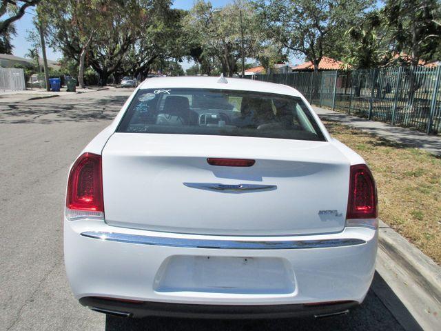 2017 Chrysler 300 300C Miami, Florida 3