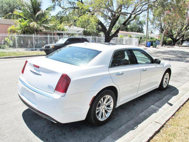 2017 Chrysler 300 300C Miami, Florida 4