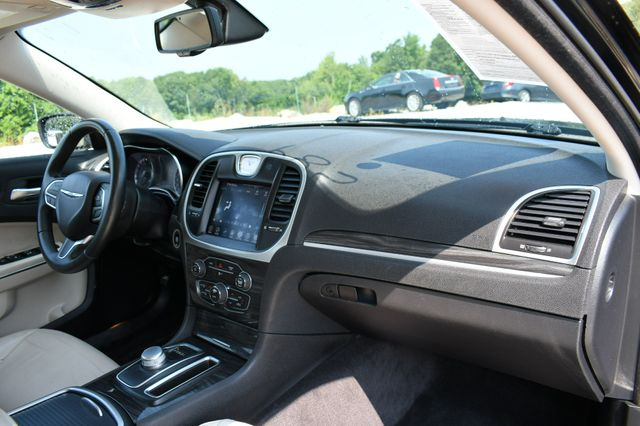 2017 Chrysler 300 Limited Naugatuck, Connecticut 11