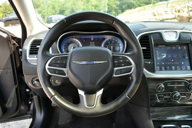 2017 Chrysler 300 Limited Naugatuck, Connecticut 23