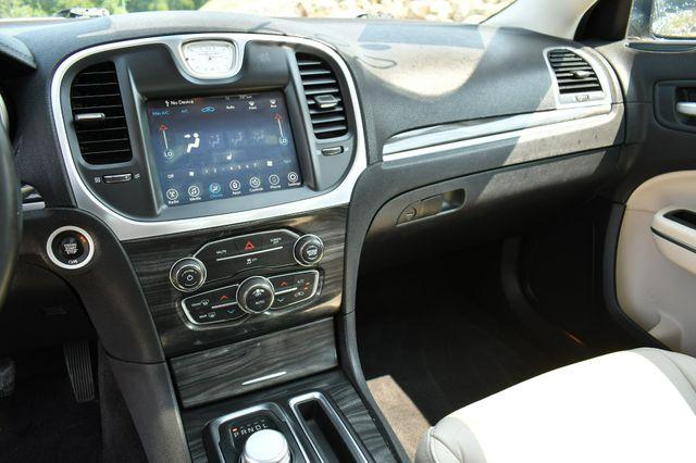 2017 Chrysler 300 Limited Naugatuck, Connecticut 24