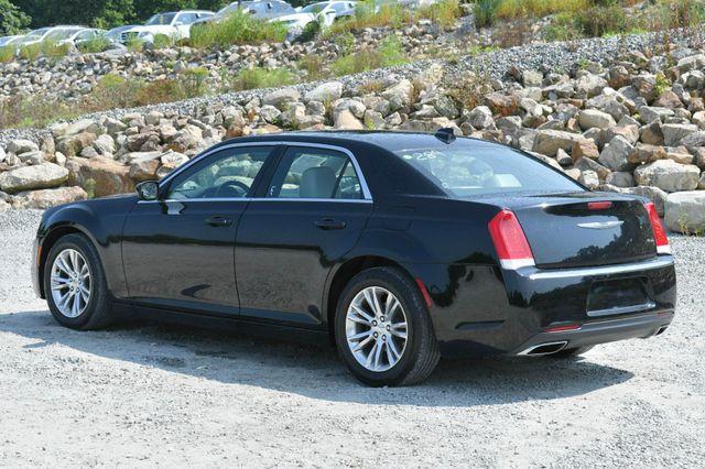 2017 Chrysler 300 Limited Naugatuck, Connecticut 4