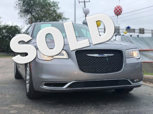 2017 Chrysler 300 300C in San Antonio, TX 78233