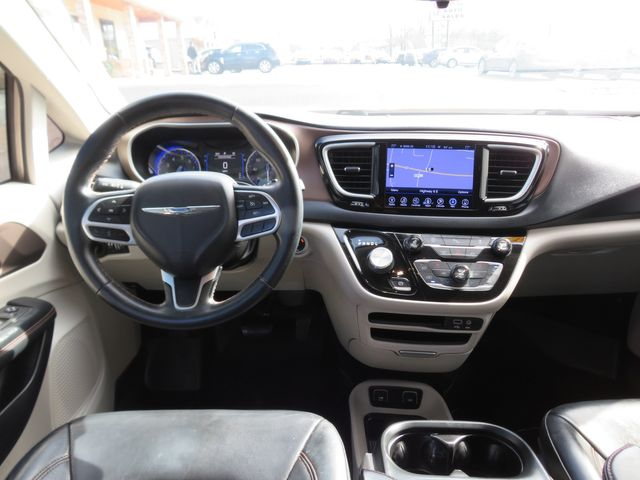 2017 Chrysler Pacifica Touring-L Batesville, Mississippi 22
