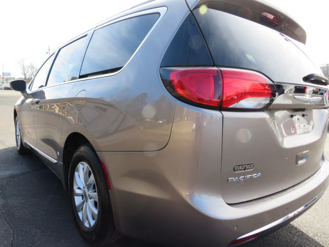 2017 Chrysler Pacifica Touring-L Batesville, Mississippi 12