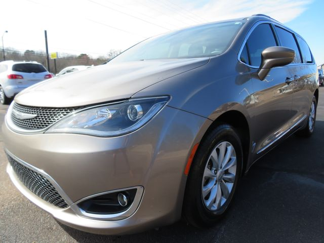 2017 Chrysler Pacifica Touring-L Batesville, Mississippi 9