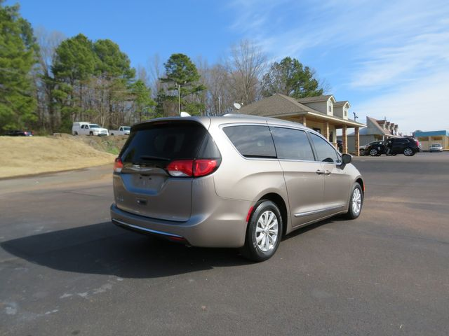 2017 Chrysler Pacifica Touring-L Batesville, Mississippi 7