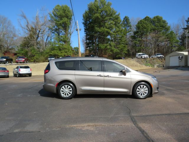 2017 Chrysler Pacifica Touring-L Batesville, Mississippi 2