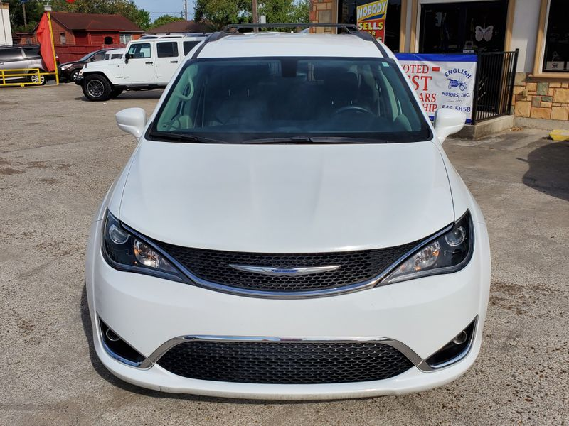2017 Chrysler Pacifica Touring-L  Brownsville TX  English Motors  in Brownsville, TX