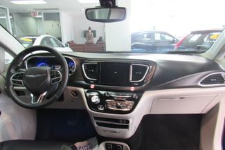 2017 Chrysler Pacifica Touring-L W/ BACK UP CAM Chicago, Illinois 21
