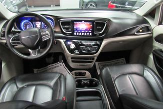 2017 Chrysler Pacifica Touring-L W/ NAVIGATION SYSTEM / BACK UP CAM Chicago, Illinois 16