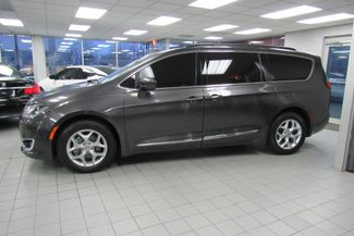 2017 Chrysler Pacifica Touring-L W/ NAVIGATION SYSTEM / BACK UP CAM Chicago, Illinois 3