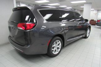 2017 Chrysler Pacifica Touring-L W/ NAVIGATION SYSTEM / BACK UP CAM Chicago, Illinois 5